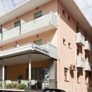 hotel berna hostel rimini riccionediscohotel